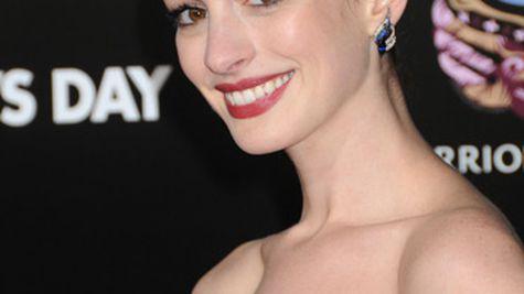 Anne Hathaway ne invata sarutul perfect