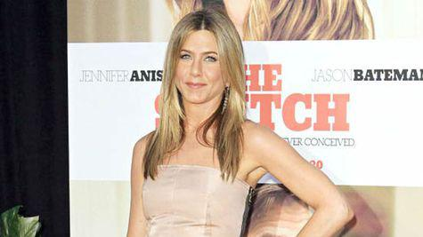 Jennifer Aniston, dependenta de consumul de apa