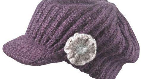 Boneta din lana tricotata, cu cozoroc, Deichmann