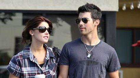 Joe Jonas si Ashley Greene, la un pas de casatorie