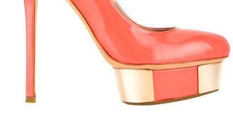 Pantofi din piele lacuita, Le Silla