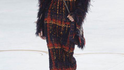Kendall Jenner, model pentru Chanel la Saptamana Modei Couture de la Paris