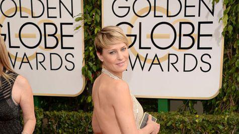 Star style: Robin Wright in 10 tinute stylish pe covorul rosu