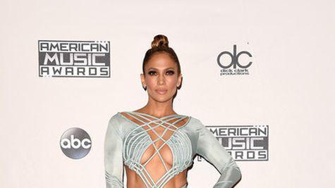Vedete pe covorul rosu la American Music Awards 2015! (galerie foto)