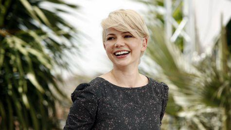 La multi ani, Michelle Williams! (VIDEO)