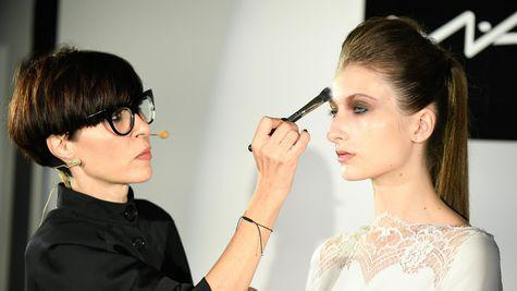 Tendintele beauty pe #fastforward cu Alexandra Spyridopou – Mac Senior Make-up Artist (VIDEO)