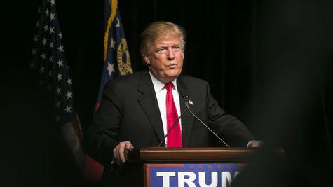 Vedetele reactioneaza la atacul lui Donald Trump asupra persoanelor transgender