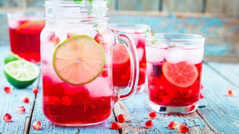 3 retete de bauturi delicioase care ajuta si la detoxifierea organismului