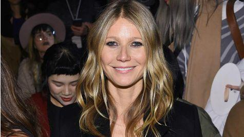 Gwyneth Paltrow s-a logodit cu Brad Falchuk