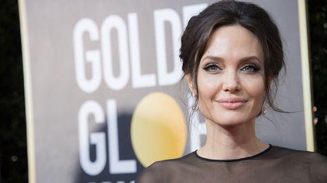 Angelina Jolie și Chris Hemsworth
