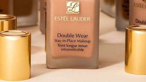 CONCURS: Câștigă unul dintre cele 10 fonduri de ten Estée Lauder Double Wear Stay-in-Place Make-up SPF 10