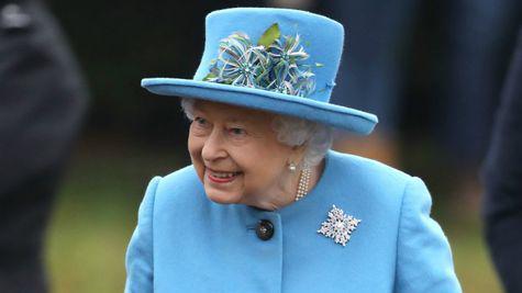 Regina Elisabeta a II-a îi sprijină pe Meghan Markle și Prințul Harry, după retragerea lor din familia regală