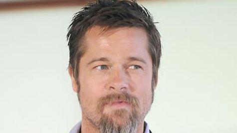 Brad Pitt si barba sa monstruoasa