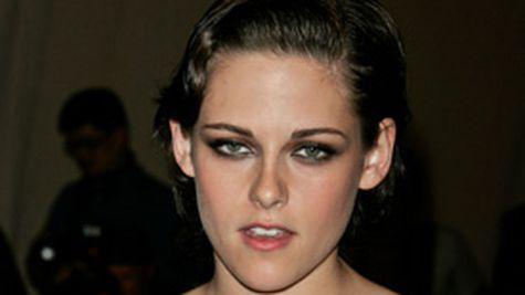 Kristen Stewart mai norocoasa decat Lohan