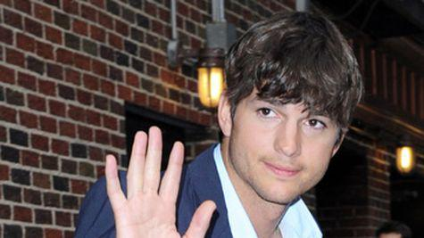 "Ashton Kutcher are o relatie ""dificila"" cu Bruce Willis"