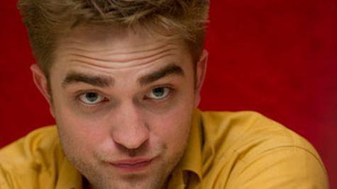Robert Pattinson se muta cu Kristen?