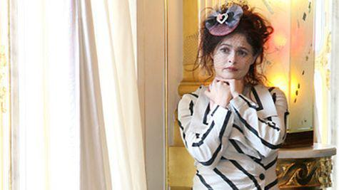 Helena Bonham Carter adora rolurile in care interpreteaza regine