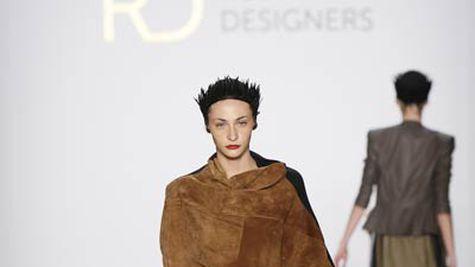 Designeri romani la Saptamana Modei de la Berlin