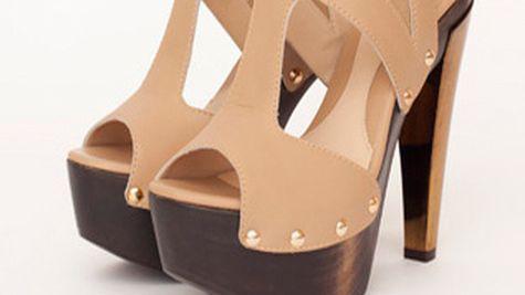 Sandale beige, cu platforma din lemn, Fendi