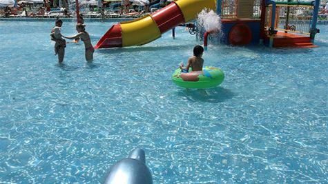 S-a redeschis Water Park – start la marea distractie!