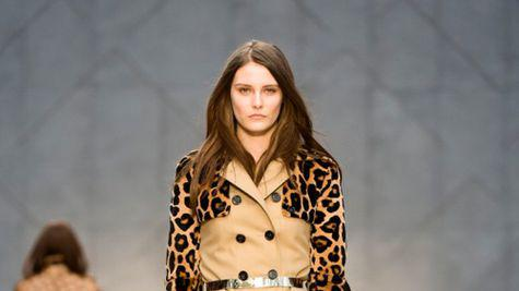 From London with Love! Trench Kisses din colectia de toamna-iarna Burberry 2013!
