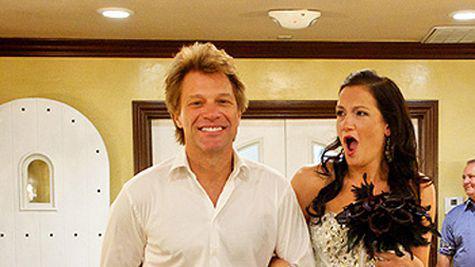 Jon Bon Jovi si-a condus un fan la altar