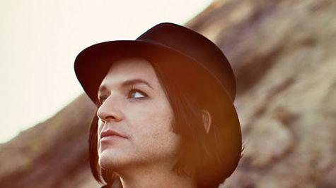 Brian Molko – portretul unui rockstar la maturitate
