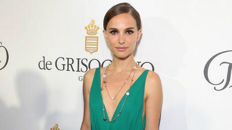 Natalie Portman a amanat filmarile pentru noul sau film!