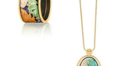 Îmbinarea perfectă dintre artă și bijuterii.