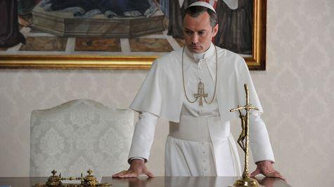 scenele nud din The Young Pope