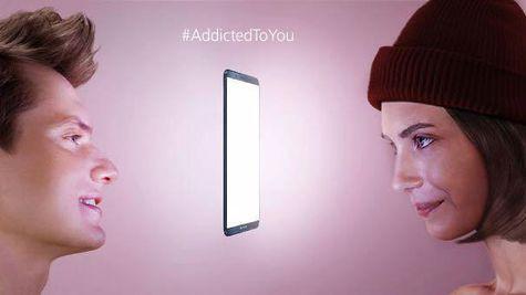 Huawei lansează campania Addicted To You