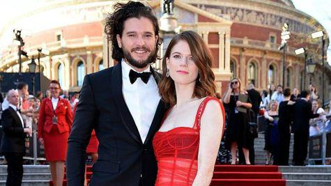 Kit Harington și Rose Leslie s-au căsătorit